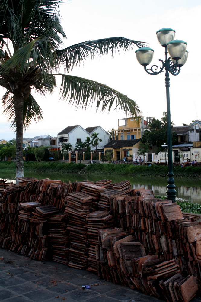 Hoi An rough riverside