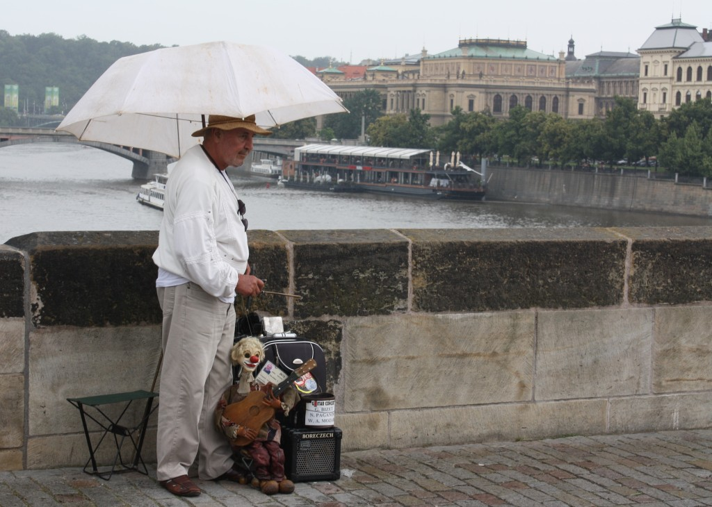 puppeteer charles bridge prague