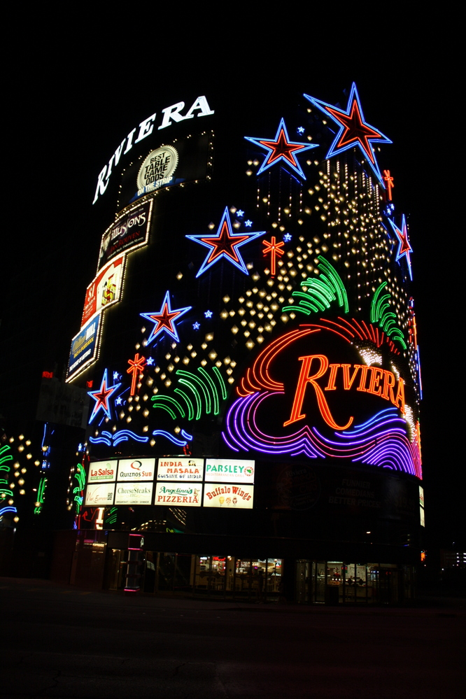 las vegas riviera at night nzmuse rtw