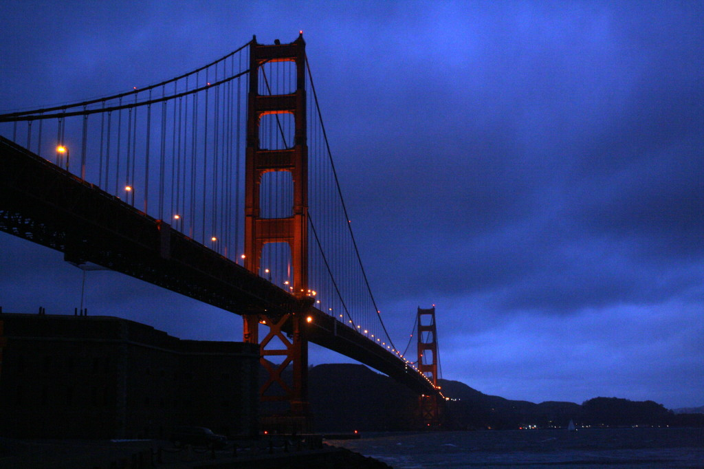 Golden Gate bridge at night - San Francisco